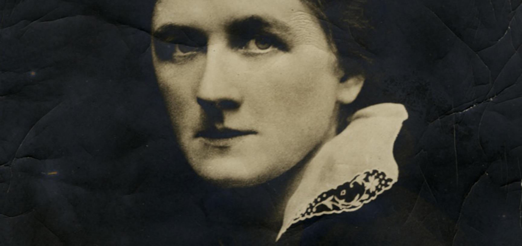 Portrait of Marie Antoinette Czaplicka by Emil Otto Hoppé, 1915