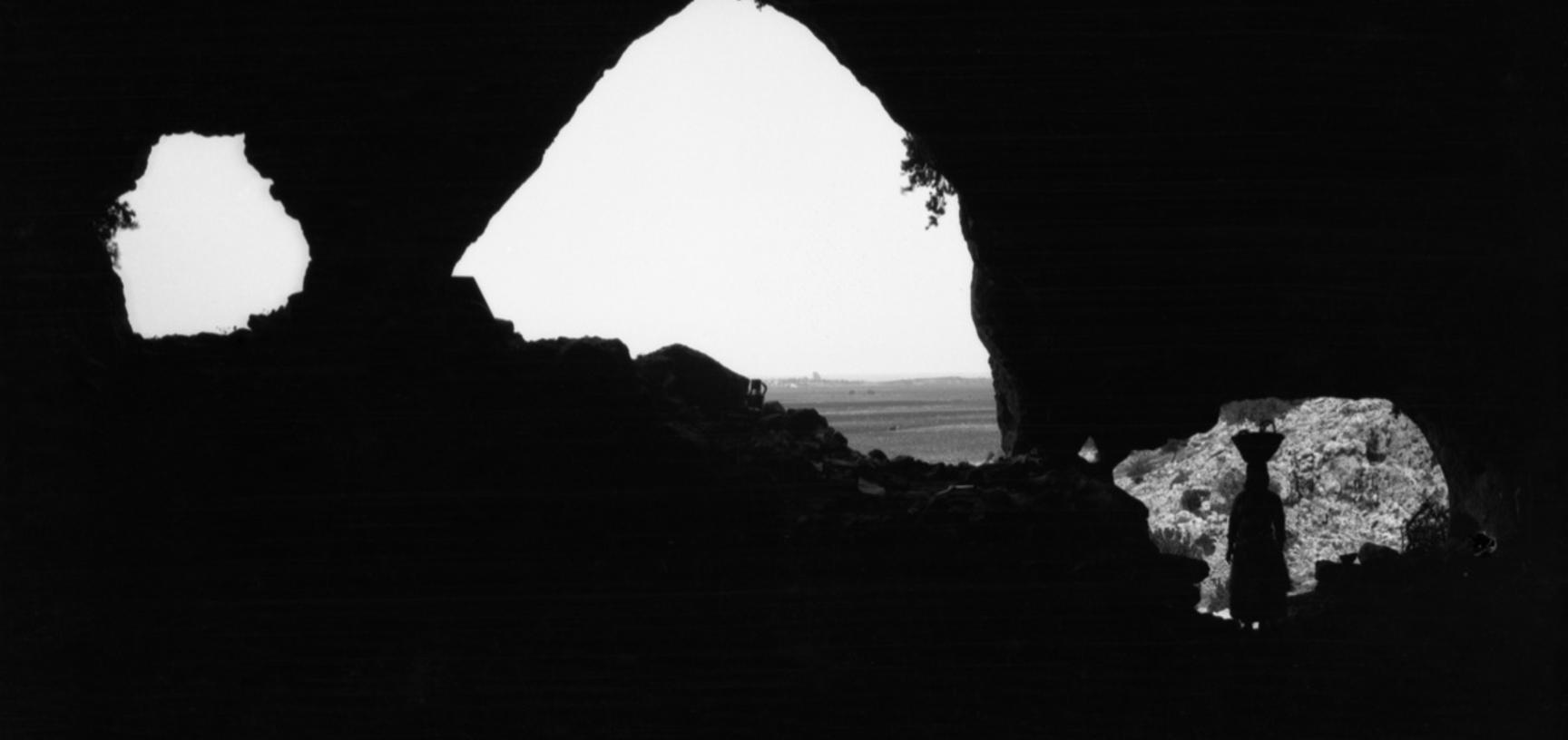 This photograph was taken in 1929 from inside el-Wad, which was the second cave that Garrod worked in. (Copyright Pitt Rivers Museum, University of Oxford. Accession Number: 1998.294.204)