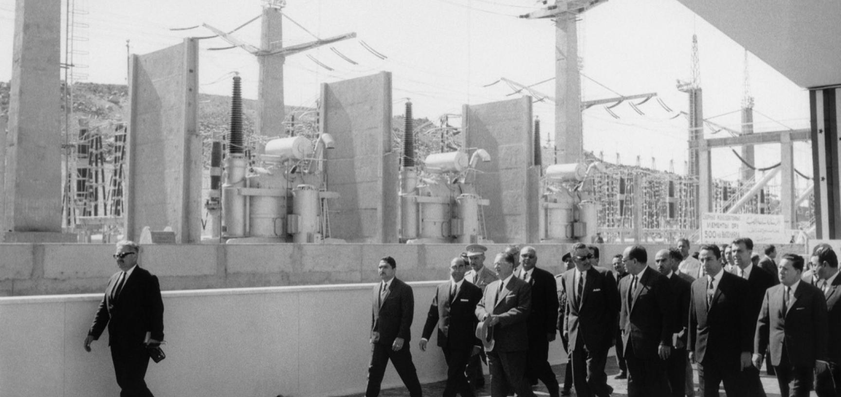 Egypt, 1968. Presidents Tito and Nasser visiting the building site of Aswan Dam. (Copyright Museum of Yugoslavia, Belgrade)