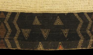 Detail of tāniko border on cloak (1923.87.162)